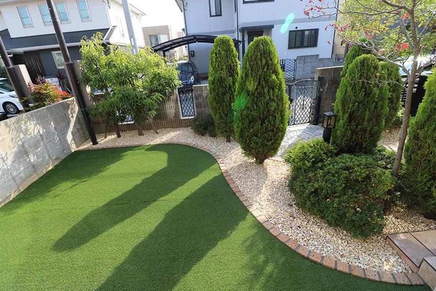 庭木は撤去だけではなく移植も視野に入れる